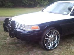 J_mal121s 2000 Ford Crown Victoria