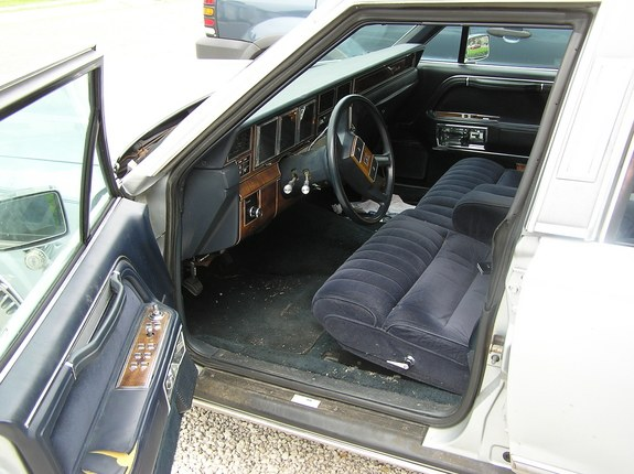 thenadepjerks 1989 lincoln town car specs photos modification info at cardomain. Black Bedroom Furniture Sets. Home Design Ideas