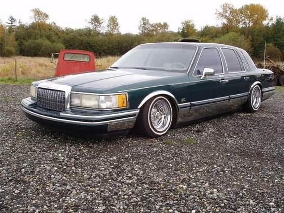 recklesslifestyl 1993 lincoln town car specs photos modification info at cardomain. Black Bedroom Furniture Sets. Home Design Ideas