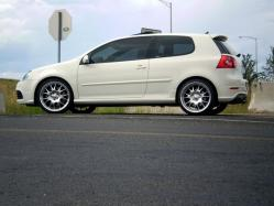 PlatinumGray03s 2008 Volkswagen R32