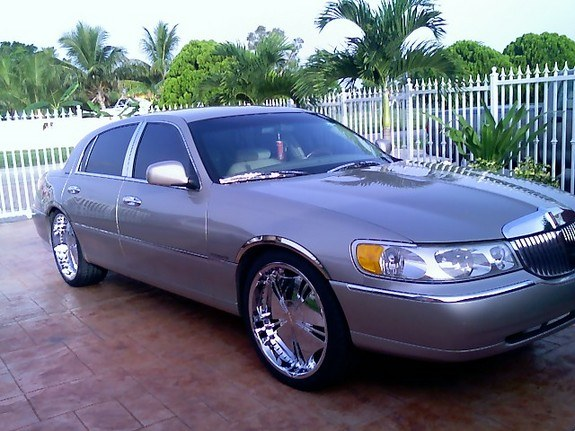 qbanpimp 2001 lincoln town car specs photos modification. Black Bedroom Furniture Sets. Home Design Ideas