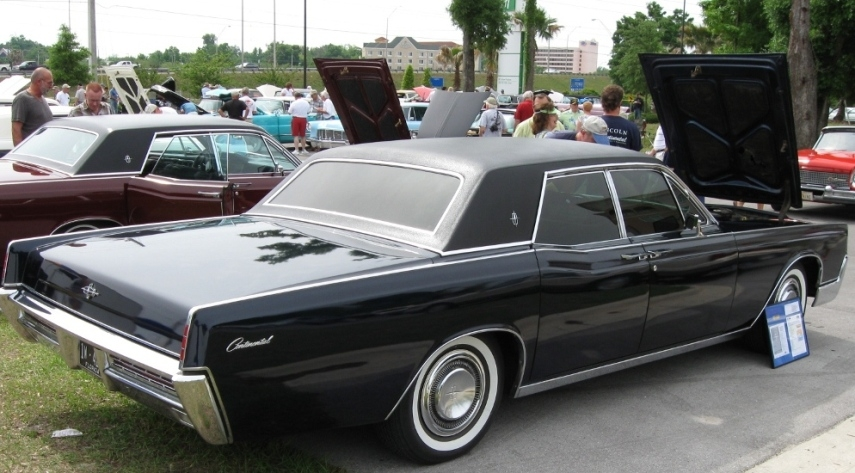 Powerstrokin250's 1967 Lincoln Continental