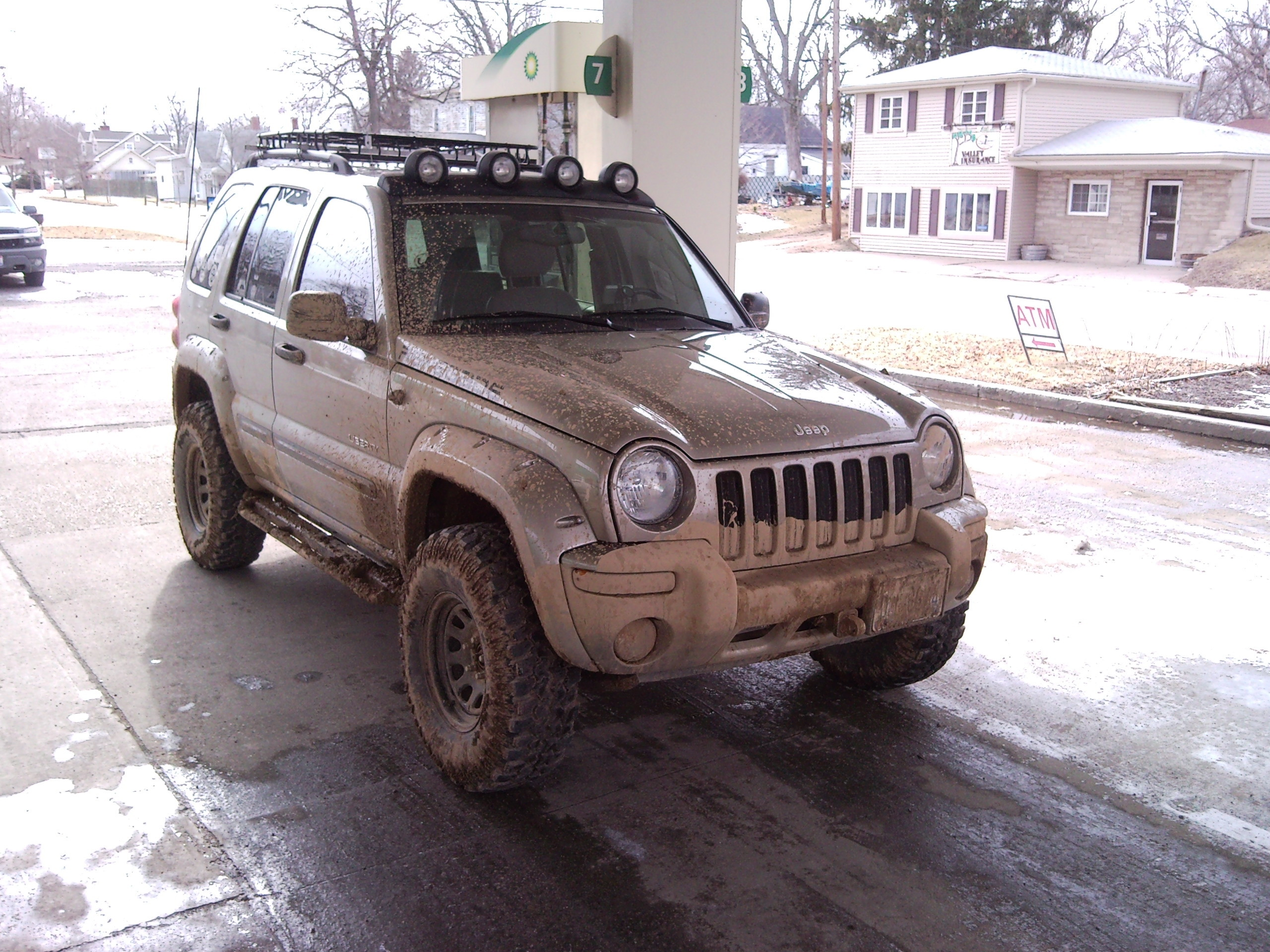 Another meh_kick 2004 Jeep Liberty post... - 10406868