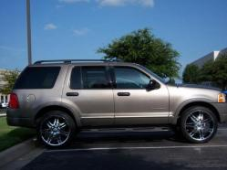 5010658s 2002 Ford Explorer