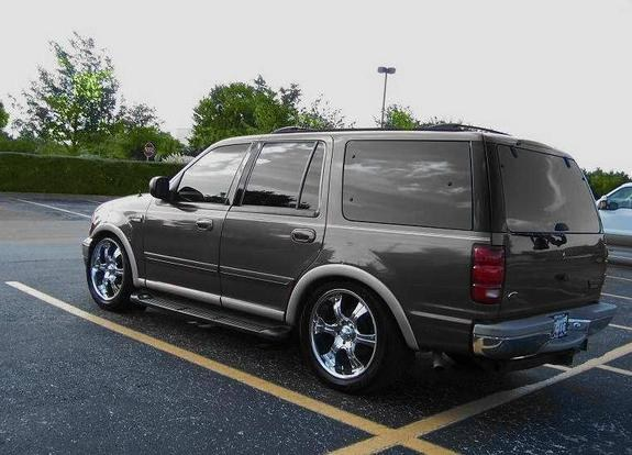 Another enomik 1999 Ford Expedition post... - 10430233