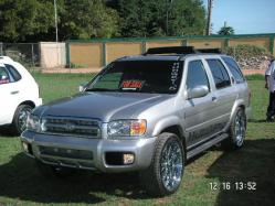 Hungreyzs 2004 Nissan Pathfinder