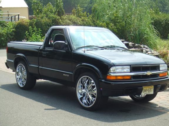 im2fast4ya18 2000 Chevrolet S10 Regular Cab 9109133
