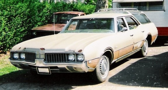 OldsVistaCruiser 1969 Oldsmobile Vista Cruiser 10471482