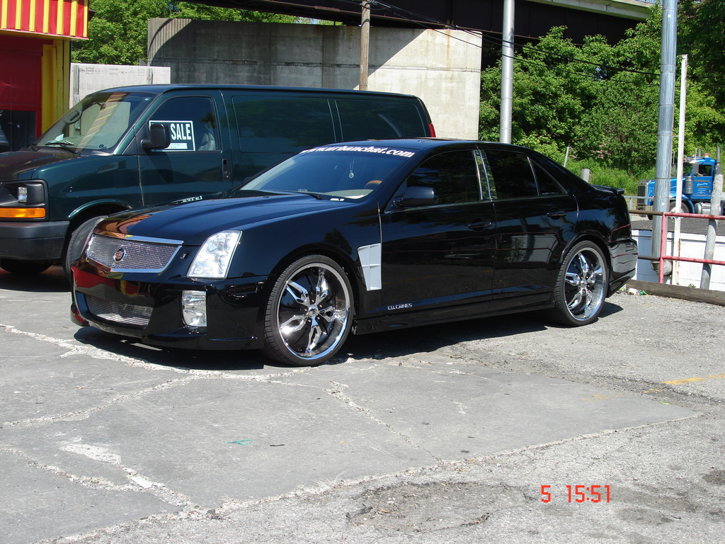 cocaines 2005 Cadillac STS 10632745