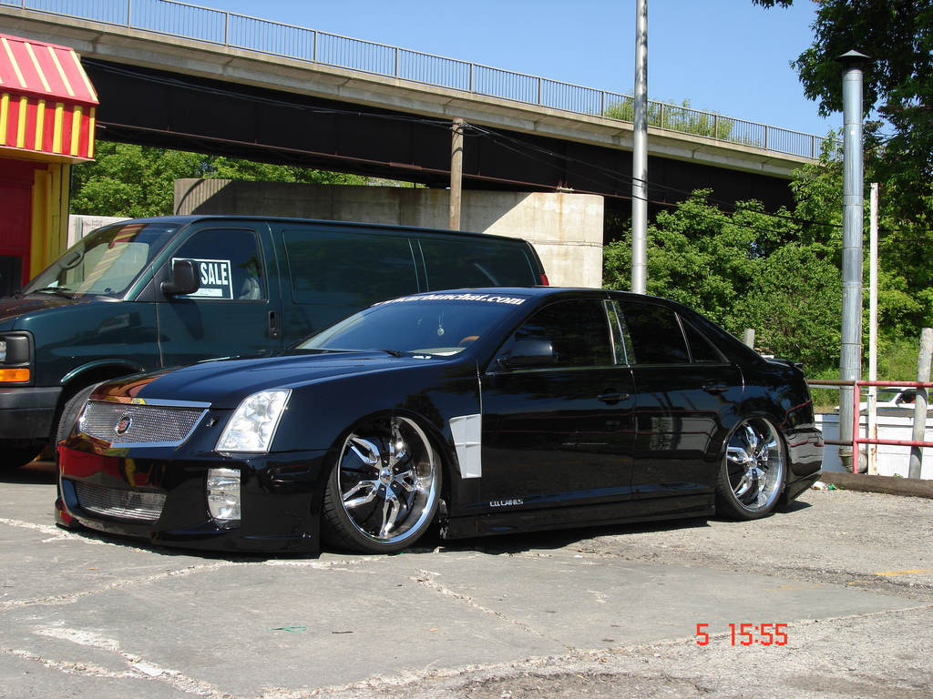cocaines 2005 Cadillac STS 10632759