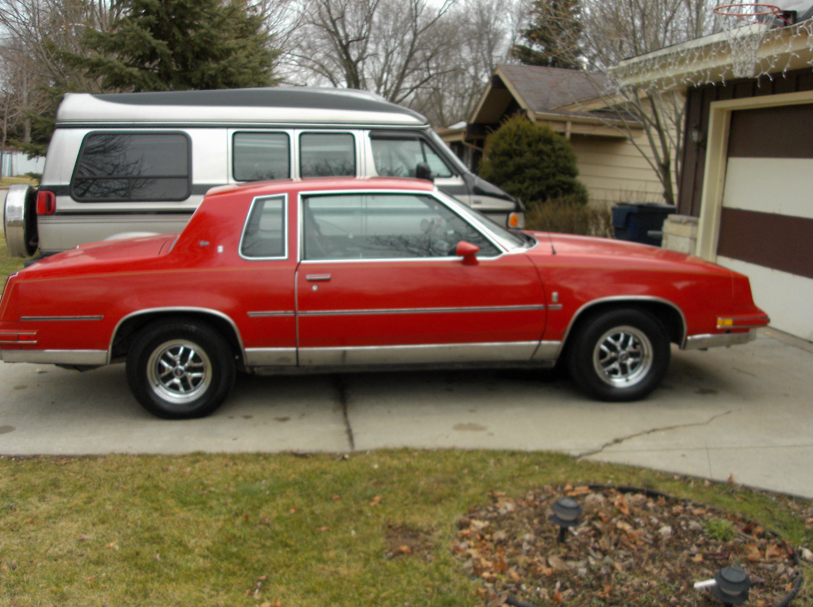Another MiltownzScootG 1986 Oldsmobile Cutlass Supreme post... - 9303550