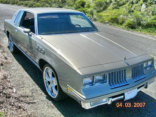 Youngdeezy 1983 Oldsmobile Cutlass Supreme 9656120