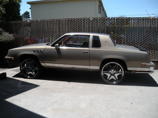 Youngdeezy 1983 Oldsmobile Cutlass Supreme 9656183
