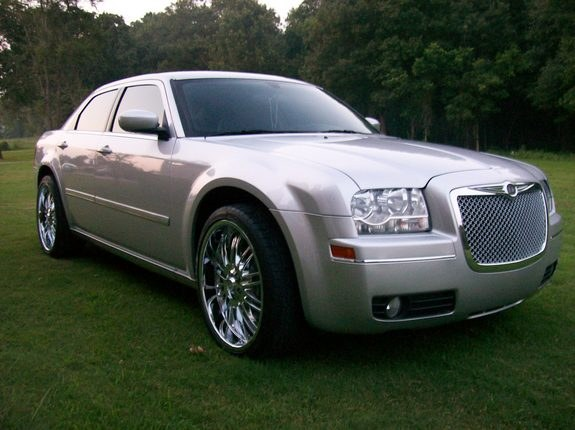 limited22s 2005 chrysler 300 specs photos modification info at cardomain. Black Bedroom Furniture Sets. Home Design Ideas
