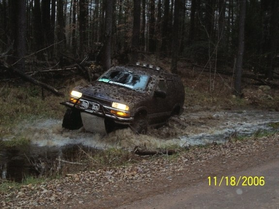 Another OFFROAD_RESCUE 2001 Chevrolet S10 Blazer post... - 9309197