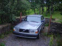 Axel_Carragher 1988 Volvo 200-Series