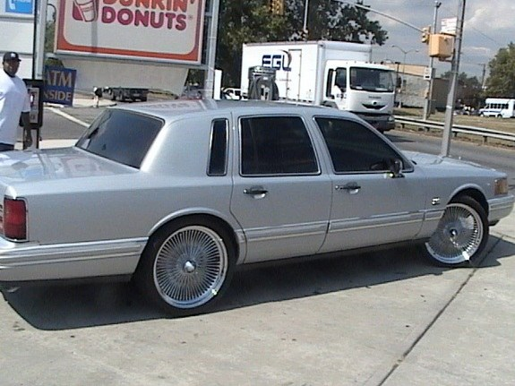 jaydin 39 s 1994 lincoln town car in queens ny. Black Bedroom Furniture Sets. Home Design Ideas