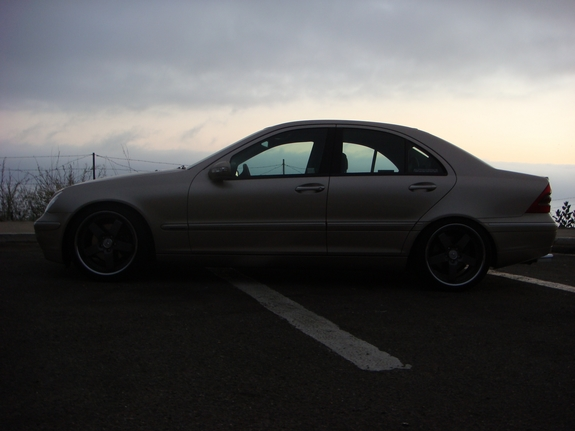 Another guzzo68 2002 Mercedes-Benz C-Class post... - 12647490