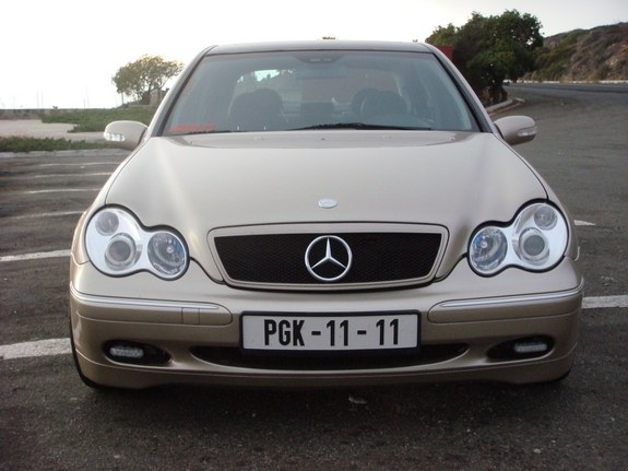 Another guzzo68 2002 Mercedes-Benz C-Class post... - 10519570