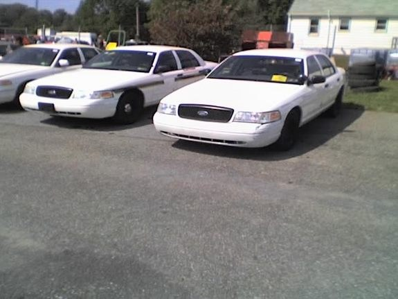 Another oreck 2001 Ford Crown Victoria post... - 10526595
