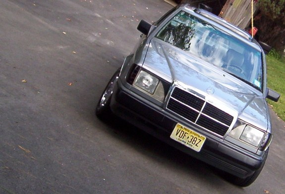 the_almighty_geo 1988 Mercedes-Benz 300E Specs, Photos, Modification