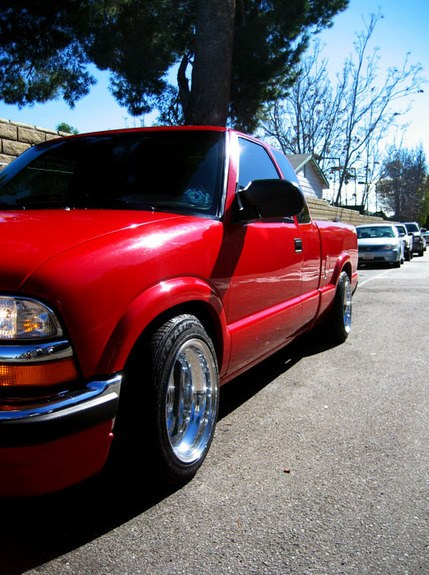 Large on 1999 Chevrolet S10