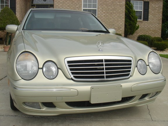 Dr benz 39 s 2000 mercedes benz e class in newark de for 2000 mercedes benz e class e320