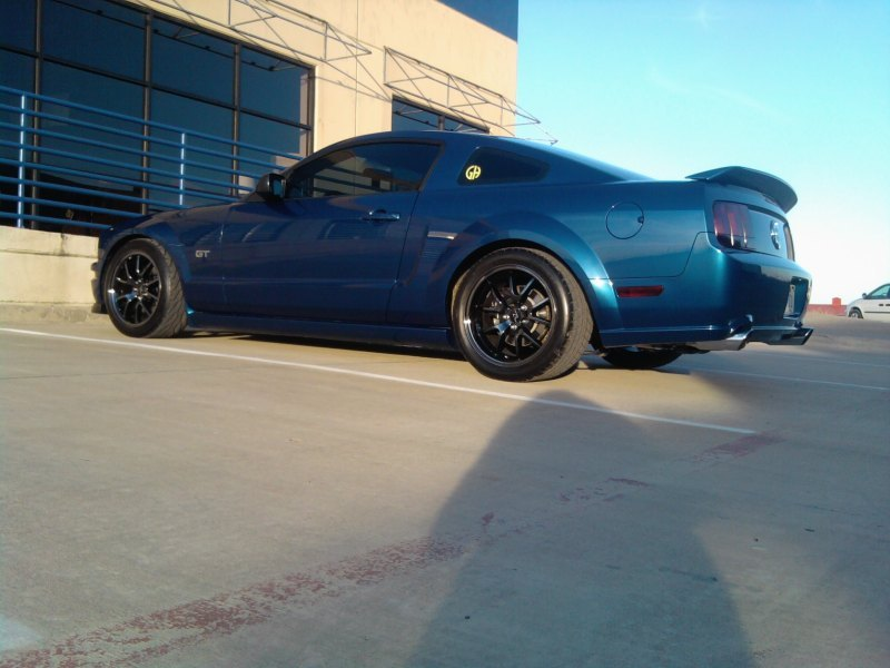 whtcanbrwnd04u 2007 Ford Mustang 10564154
