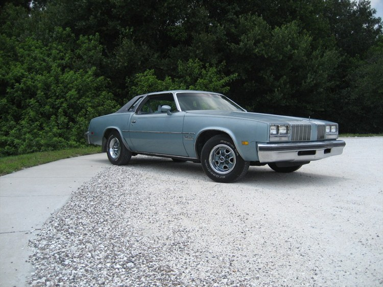 77oldsmobile's 1977 Oldsmobile Cutlass Salon