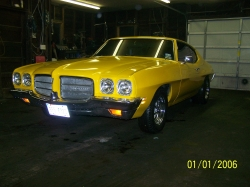 7Lemans2s 1972 Pontiac LeMans
