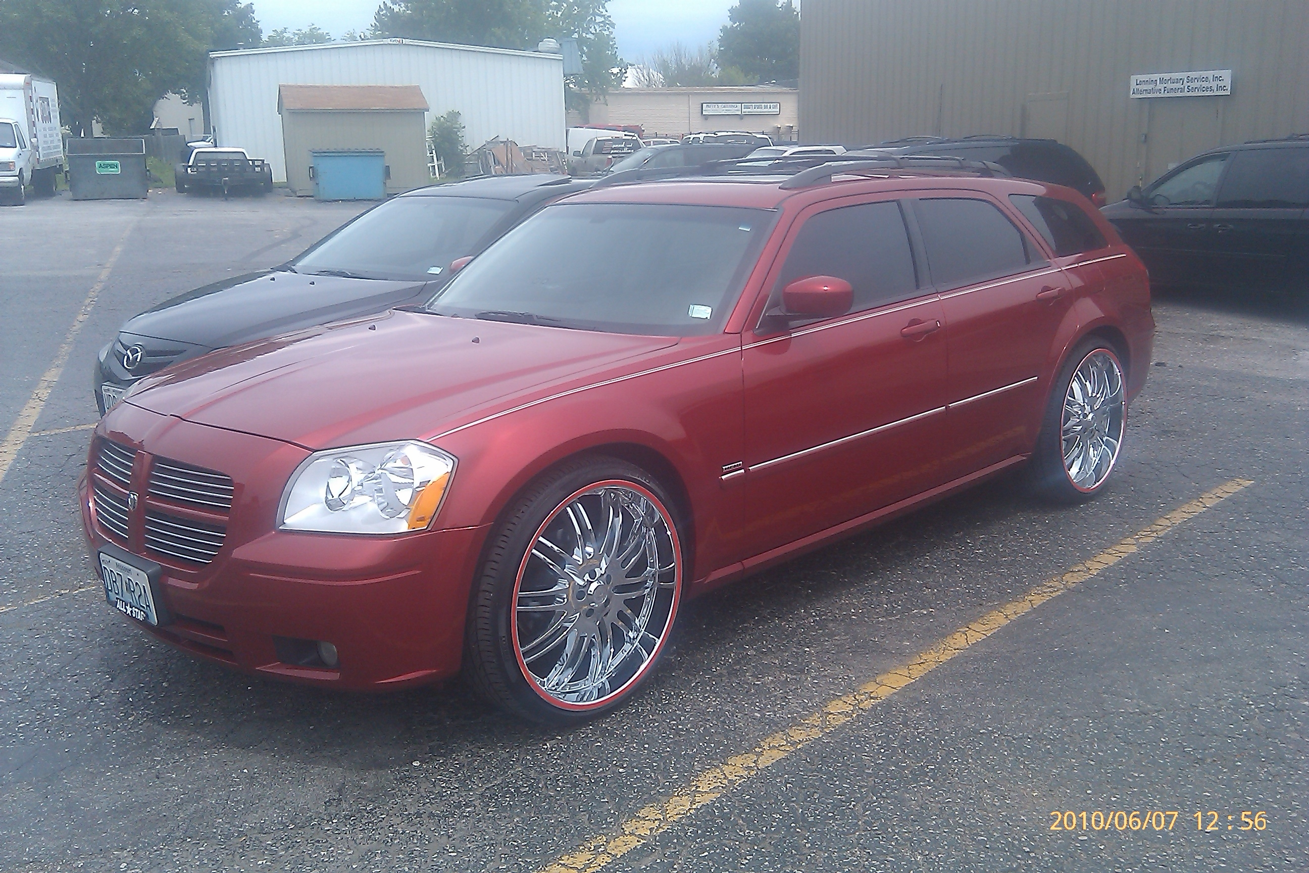 cheesiest 2006 Dodge Magnum 10592812