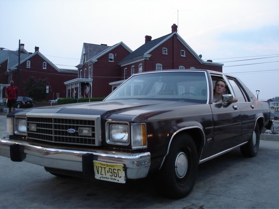 Brown_Muscle 1982 Ford LTD