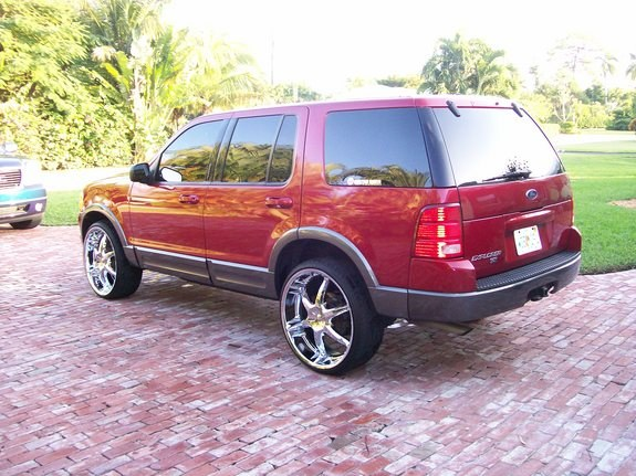 Another lornec 2003 Ford Explorer post... - 10626671
