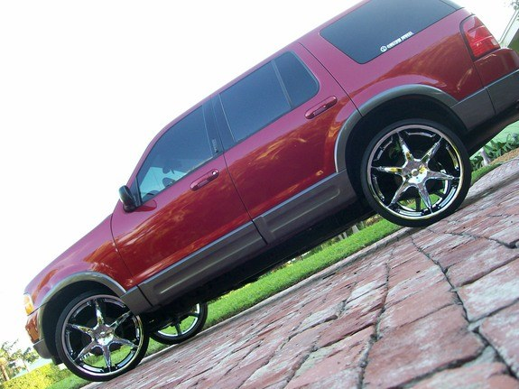 Another lornec 2003 Ford Explorer post... - 10626681
