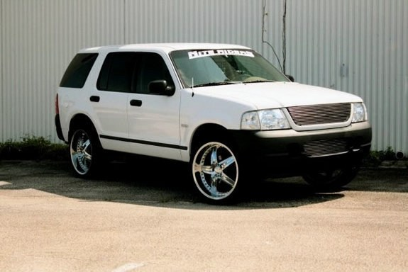 Another lornec 2003 Ford Explorer post... - 10626702