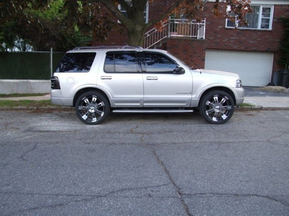 Another lornec 2003 Ford Explorer post... - 10626703