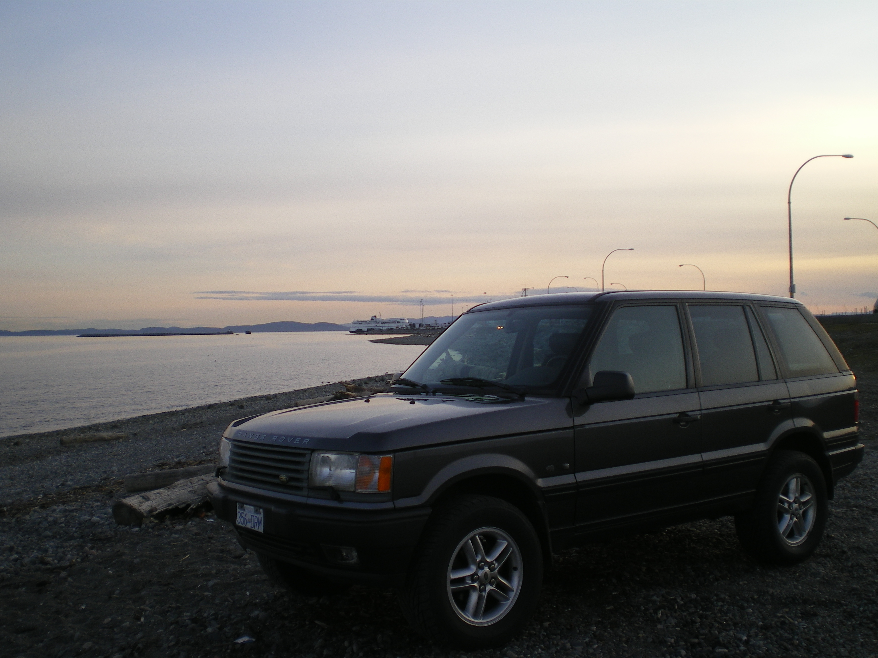 legitmoney 39 s 2000 land rover range rover in delta bc. Black Bedroom Furniture Sets. Home Design Ideas