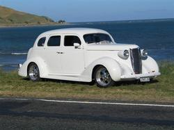 inthweedz 1937 Nash Eight-90