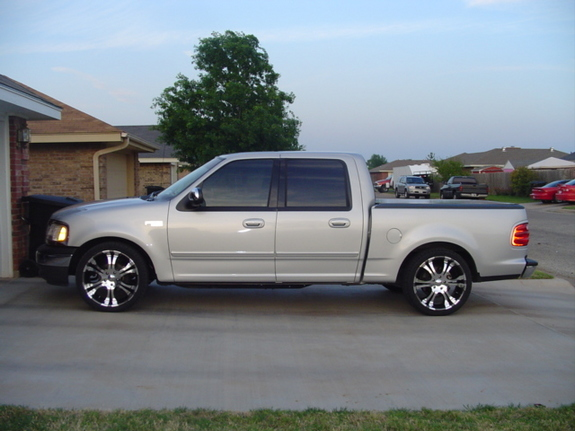 scott69z 2002 Ford F150 SuperCrew CabShort Bed 4D Specs, Photos, Modification Info at CarDomain