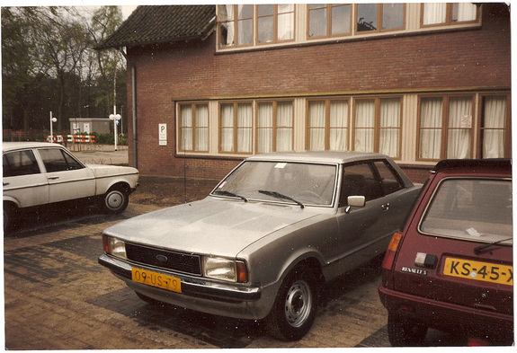 Another sking 1980 Ford Taunus post... - 10663043