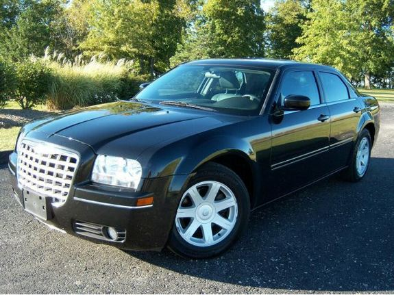 2005 chrysler 300 black 200 interior and exterior images. Black Bedroom Furniture Sets. Home Design Ideas