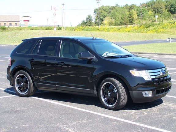 Scoopo's 2007 Ford Edge