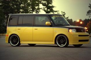 Smalltimecrooks 2005 Scion XB