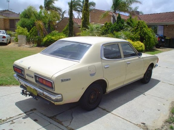 Another femmefiend 1975 Datsun 610 post... - 10747729