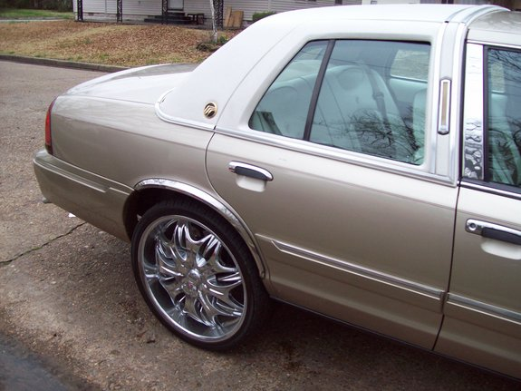 Another quis870 2002 Mercury Grand Marquis post... - 11129376