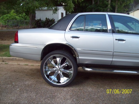 Another quis870 2002 Mercury Grand Marquis post... - 11129385