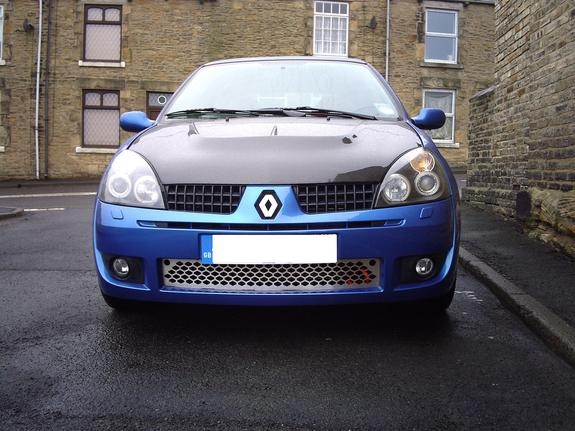 Scotty172 39 s 2003 renault clio in gateshead for Garage renault lens
