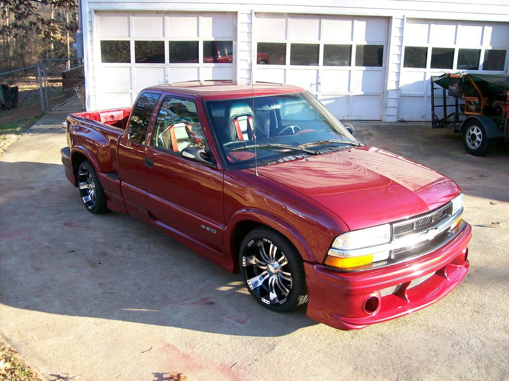 s10karateman 2000 chevrolet s10 regular cab specs photos modification info at cardomain. Black Bedroom Furniture Sets. Home Design Ideas