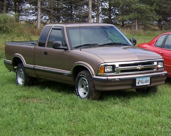 Another sallad08 1996 Chevrolet S10 Extended Cab post... - 10779726