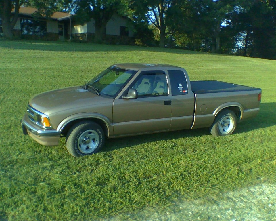 Another sallad08 1996 Chevrolet S10 Extended Cab post... - 10779734